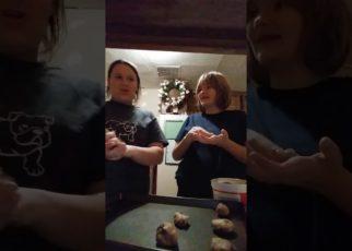 yt 57340 Making cookies 322x230 - Making cookies