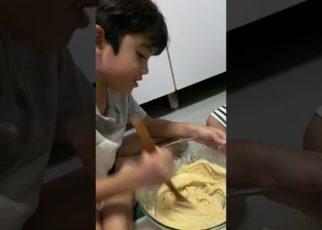 yt 57490 Rj Making Cookies 322x230 - Rj Making Cookies