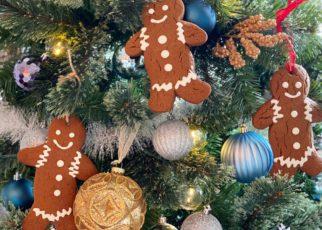 yt 58503 How To Make DIY Gingerbread Ornament Cookies MANCAKE 322x230 - How To Make DIY Gingerbread Ornament Cookies! - MANCAKE