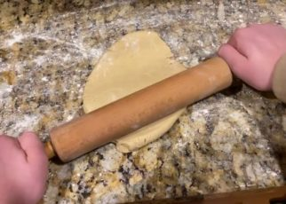 yt 58507 How to make sugar cookies 322x230 - How to make sugar cookies