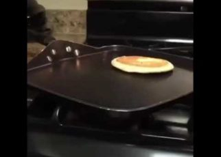 yt 62456 Man slips to death while making pancakes 322x230 - Man slips to death while making pancakes