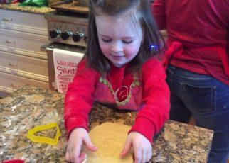 yt 63071 Harper Making Cookies at Mimis 322x230 - Harper Making Cookies at Mimis