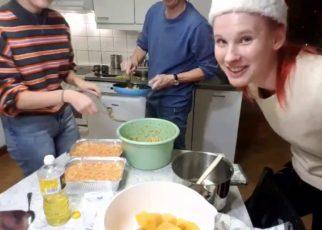 yt 65110 Annavila Vlogs make a giant super large bread for Christmas 322x230 - Annavila Vlogs || make a giant super-large bread for Christmas
