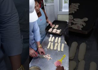 yt 66459 Make bread with teacher 322x230 - រៀនធ្វេីនំបុ័ង Make bread with teacher
