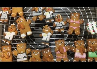 yt 67134 How to make perfect gingerbread cookies Cch lm bnh quy gng cho ma ging sinh l tt 322x230 - How to make perfect gingerbread cookies - Cách làm bánh quy gừng cho mùa giáng sinh, lễ tết