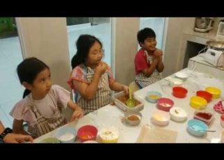 yt 69564 Lulla make christmas cookies and jog with pet 322x230 - Lulla make christmas cookies and jog with pet
