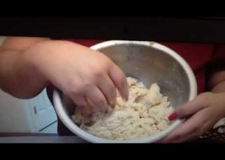 yt 71204 How to make Sugar cookies 322x230 - How to make Sugar cookies