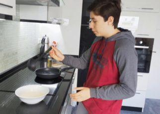 yt 73823 How to make a PANCAKE ERASMUS 322x230 - How to make a PANCAKE! [ERASMUS]