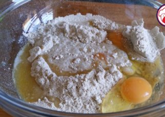 yt 99625 How to make British pancakes 322x230 - How to make British pancakes
