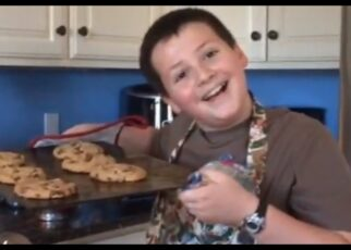 yt 211613 How To Bake Cookies with Keean 322x230 - How To Bake Cookies with Keean
