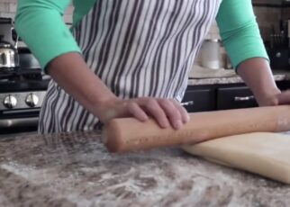 yt 212520 How to bake pastry bread 322x230 - How to bake pastry bread.