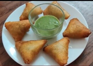yt 224179 Potato Peas Samosa with bread sheets 322x230 - Potato Peas Samosa (with bread sheets)