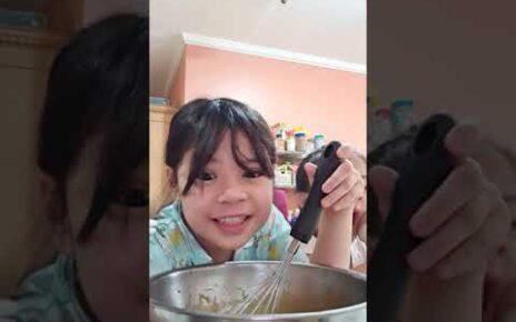 yt 224812 Akia and Mavis making cookies 464x290 - Akia and Mavis making cookies