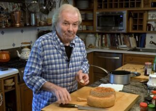 yt 225310 Easy homemade bread Jacques Ppin Cooking at Home KQED 322x230 - Easy homemade bread | Jacques Pépin Cooking at Home | KQED