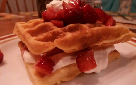 yt 238550 Homemade Waffles with Strawberries and Whipped Cream 464x290 - Homemade Waffles with Strawberries and Whipped Cream🧇🍓