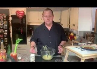 yt 238895 Caddyman Makes Healthy GlutenFree Pancakes 322x230 - #Caddyman Makes Healthy #GlutenFree Pancakes
