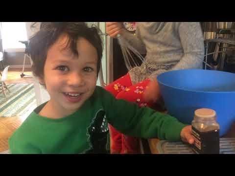 yt 243555 Kids bake cookies learn how - Kids bake cookies - learn how!!