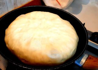 yt 252628 Bread cooked in the pan recipe.No oven Incredibly delicious 322x230 - Bread cooked in the pan recipe.No oven! Incredibly delicious!