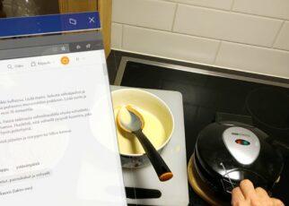 yt 252811 HoloLens2 supports making waffles 322x230 - HoloLens2 supports making waffles