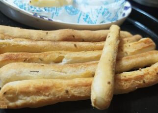 yt 264364 Crispy and Crunchy Breadsticks made at home recipe baked Breadstick recipe 322x230 - Crispy and Crunchy Breadsticks made at home recipe | baked Breadstick recipe