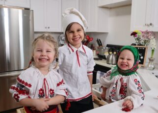yt 265039 Little chefs make Cozonac a Romanian traditional sweet bread with walnuts 322x230 - Little chefs make Cozonac (a Romanian traditional sweet bread with walnuts)