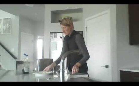 yt 271487 Make waffles with Mrs. Lashuk 464x290 - Make waffles with Mrs. Lashuk